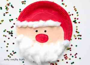 Arty Crafty Kids - Seasonal - Easy Chrsitmas Craft - Paper Plate Santa- Super cute and Super Adorable Paper Plate Santa - An easy and fun Christmas Craft for Kids. Perfect for little hands and independent crafting.