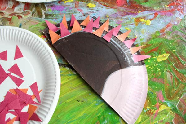 Arty Crafty Kids | Craft | Paper Plate Hedgehog Craft | Super cute Hedgehog craft for & Paper Plate Hedgehog Craft - Arty Crafty Kids
