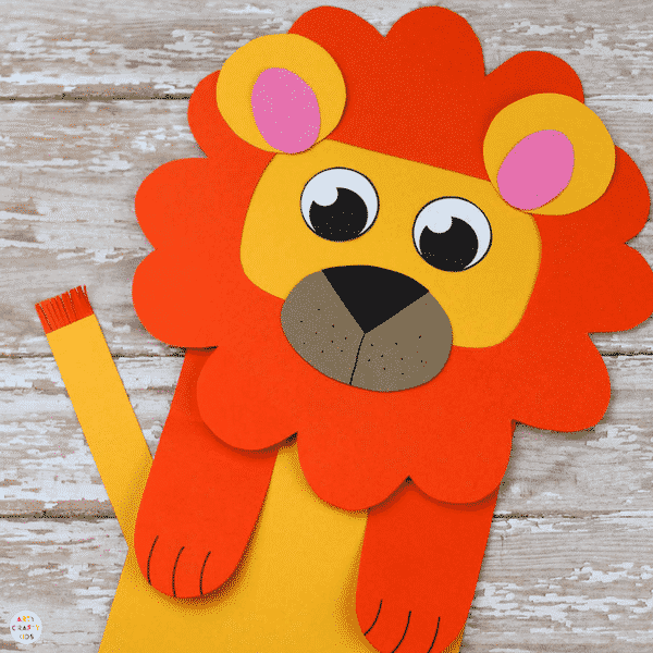 Arty Crafty Kids | Craft Ideas for Kids | Paper Bag Lion Craft - A fun and interactive lion craft for kids. Great for story telling and imaginative play #kidscraft #craftideasdforkids #funcraftsforkids #animalcrafts