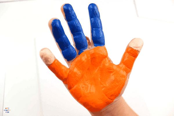 Arty Crafty Kids | Handprint Art for Kids | Handprint Fathers Day Art #fathersday #fathersdayprojectsforkids #fathersdaycardsforkids #kidsfathersdayart #kidsfathersdaycraft