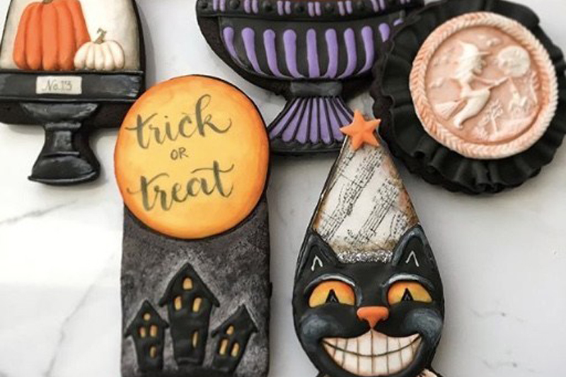 halloween-cookie-tutorial-videos-decorating-instructions-smiling-cat--v1