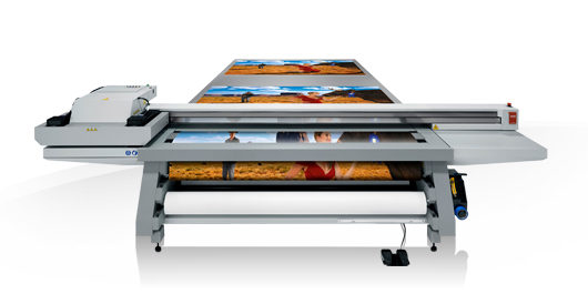 OCÉ ARIZONA 550 XT High resolution flatbed. UV printing and white ink. Thickness of 5 cm. Ideal for rigid materials.