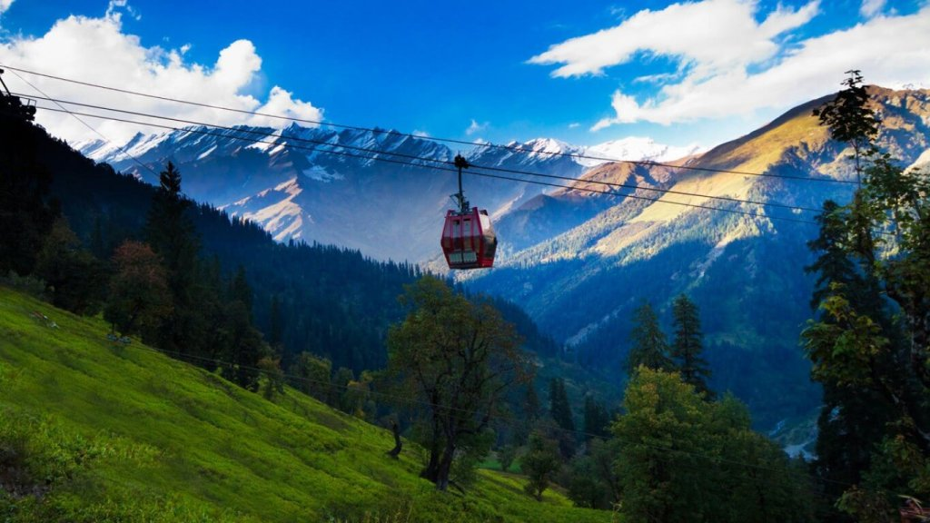 Manali in Top 10 Best Places To Visit India In Summer