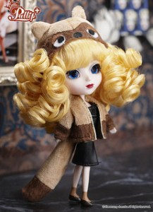 Little Pullip Madame Racoon