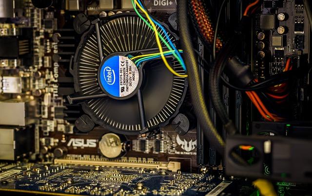 Choosing Between An Intel Or AMD CPU For Gaming (1)
