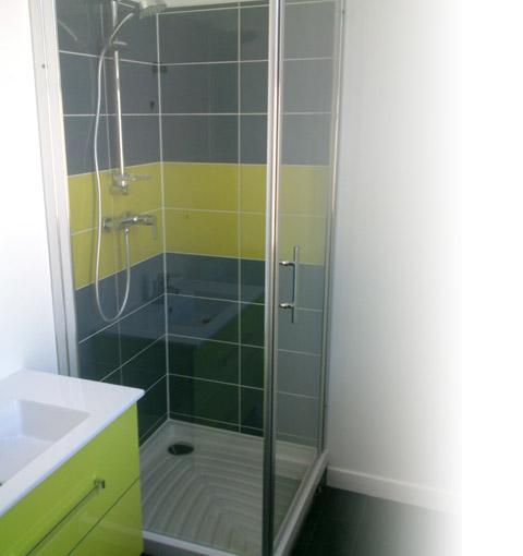 renover une salle de bain best renover une salle de bain with renover une salle de bain. Black Bedroom Furniture Sets. Home Design Ideas