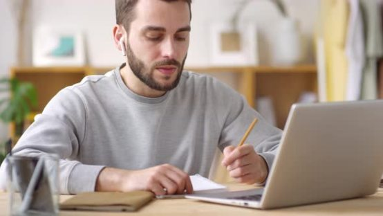 Submitting Essays for a Course in the UK? Make it Unique with the Help of a Plagiarism Checker