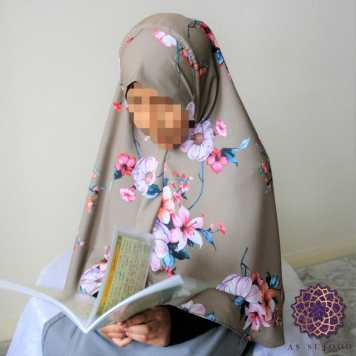 Floral Bunches on Brown Girls' Khimar