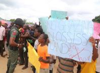 Ossissa Community Protest in front of Okowa