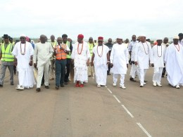 From left; Chief Press Secretary to the Governor, Mr. Charles Aniagwu; Onihe of Asaba, Chief Ubaka Attoh; Commissioner for Information, Mr. Patrick Ukah; Acting Permanent Secretary Ministry of Works, Mr. Edafe Ogor; Commissioner for Works, Chief James Augoye; Obi Engr. Godfrey Konwea and Other Chiefs, Inspecting Asaba International Airport.