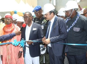 Delta State Governor, Senator Ifeanyi Okowa (left); Chief Executive Officer Premium Steel and Mines Limited, Mr. Prasnata Mishra (2nd right); His Royal Majesty,(Barr.) Odelekpe, Owhorhu I, the Ovie of Udu Kingdom (left) and Hon. Solomon Ahwinahwi, during the Official Commissioning (Flag-Off) of the Rolling Mill of Premium Steel and Mines Limited Plant, at Ovwian-Aladja, Delta State.