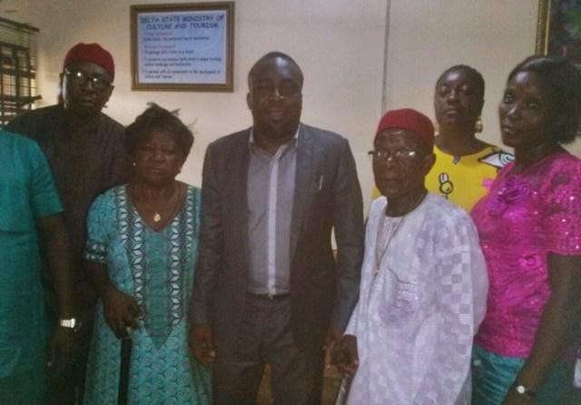 Commissioner Chinye With Onicha Olona PDP Leaders