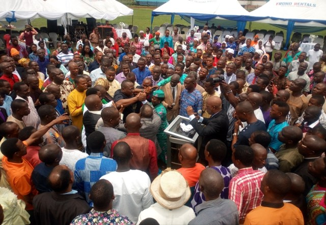 The Delta State Chairman of the Pentecostal Fellowship of Nigeria, (PFN) Bishop Kingsley Enakirerhi leading a prayer session with over 700 other Pastors forRev. Francis Ejiroghene Waive, an All progressive Party (APC) House of Representative aspirant for Ughelli North, South Udu Federal Constituency
