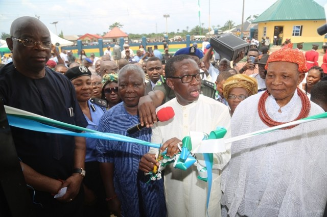 Governor Okowa and Others, during the Official Commissioning of the Nigeria Police Divisional Headquarter Mosogar, Delta State.