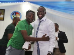 Delta State Governor, Senator Ifeanyi Okowa (left) and Nigeria Super Eagles Captain,AhmedMusa, during a Dinner Party in Honor of Nigeria Super Eagles, at Banquet Hall Government House Asaba on Wednesday November 28, 2018.