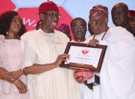 Delta State Governor, Senator IfeanyiOkowa (2ndleft); his wife, Dame Edith (left); former Governor of Delta State, Chief James Ibori (right); Segun Osoba (2ndright) and Commissioner for Finance, Olorogun David Edevbie, during Vanguard Personality of the Year Awards 2018. At Eko Hotel and Suites Lagos State.