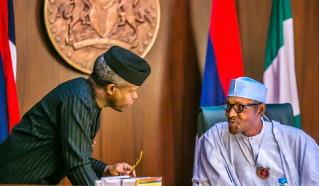 President Muhammadu Buhari (r) and Vice President Yemi Osinbajo