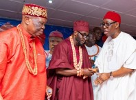 Delta State Governor, Senator Ifeanyi Okowa (right) exchanging pleasantries with the Obi of Abavo Kingdom, HRM Obi Uche Irenuma II, and the Chairman, Delta State Traditional Rulers Council and Obi of Owa Kingdom, Dr. Emmanuel Efizomor II (left), during the 21st Ogwa Ika 2019 at Abavo Hall in Ika South LGA.