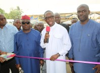 Delta State Governor, Senator Dr. Ifeanyi Okowa (2nd right); Chairman (DESOPADEC), Bashorun Askia Ogieh (2nd left); Hon. Erijo Johnson (left); Chairman, Isoko South Local Government Area, Hon. Itiako Ikpokpo (right) and Others, Commissioning the newly constructed Modern Civic Centre ,Uzere, Delta State.  Saturday, January 25, 2020
