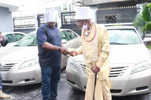 A beneficiary of Car Gift Presented by Delta Speaker, Sheriff Oborevwori to Okpe Political Leaders
