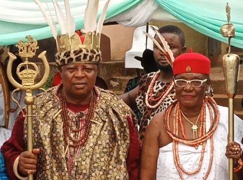 L-R: HRH Igwe Chukwunweze Patrick Okolo 1 of Nkpunano Nsukka Ancient Kingdom and HRM Obi Martha Dunkwu, Omu Anioma during the conferment of Nneoha title on Monday, October 19, 2020