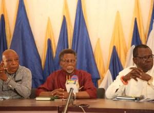 R-L: The Oliha of Umunede Kingdom,Chief Gabriel Egbule; Former President General, Umunede Progressive Union, Chief Augustine Aghaulor; and Mr. Tony Ngozi, President General of Umunede Progressive Union.