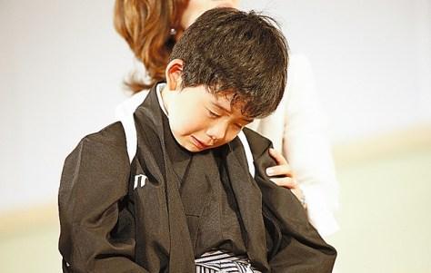 2010年の「テーブルマークこども大会」の決勝で敗れ、大泣きしていた藤井聡太さん=名古屋市、「将棋日本シリーズ」総合事務局提供