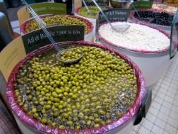 Marinated olives and garlic