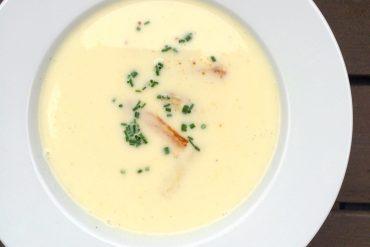 A bowl of white asparagus cream soup