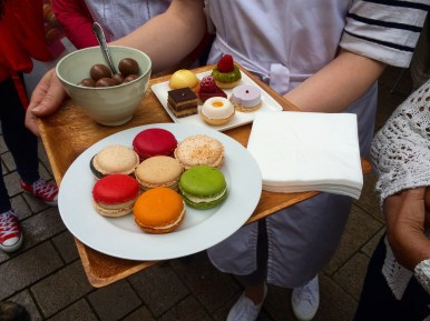 Macarons and Petits Fours on a plate from L'Art Sucré Wiesbaden