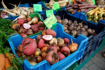 Crates of different coloured beetroot at the Wiesbaden farmers' market