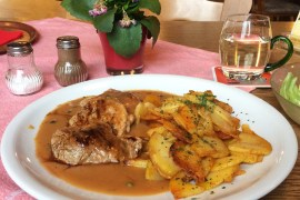 A plate of Schweinelenden in Pfefferrahmsosse | pork fillet in a pepper sauce