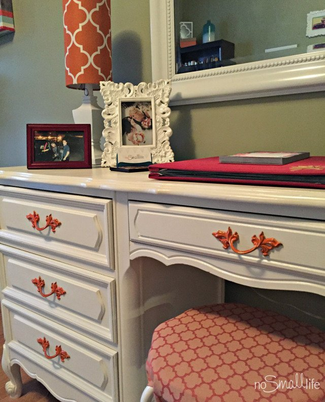 painted-desk-reveal-nsl