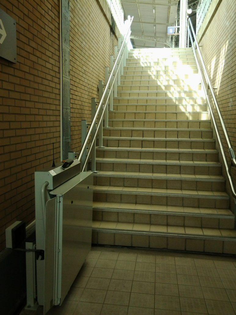 Plateforme Pour Escalier Droit GANSER GTL 20 Ascenseur