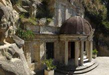 La chiesa nelle rocce di Ascoli