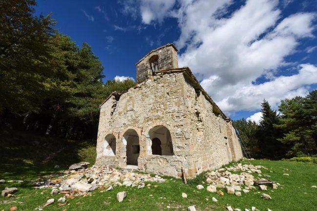 La chiesa di Santa Maria in Pantano a Montegallo dopo il terremoto