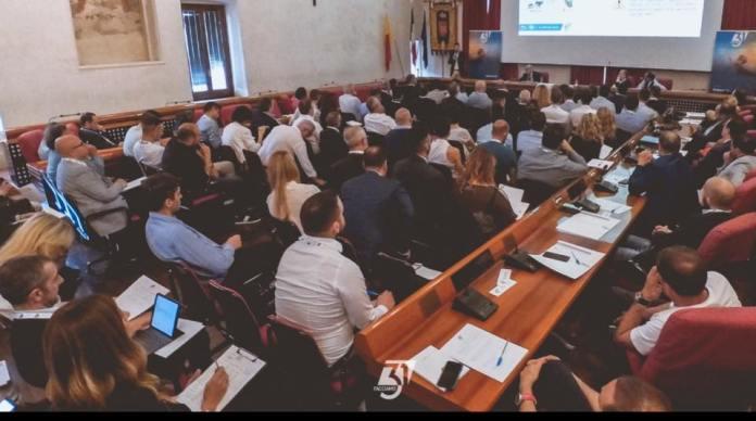 Imprenditori riuniti ad Ascoli Piceno per l'iniziativa nFacciamo 31