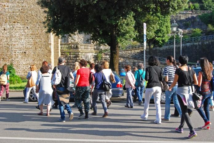 Una passeggiata di gruppo, foto generica
