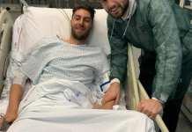 L'attaccante bianconero Giacomo Beretta in visita a Manuel Scavone, foto d pagina Facebook ufficiale Ascoli Calcio