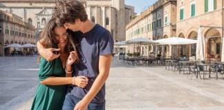 """Una scena della wedding serie """"Non voglio mica la luna"""" girata ad Ascoli"""