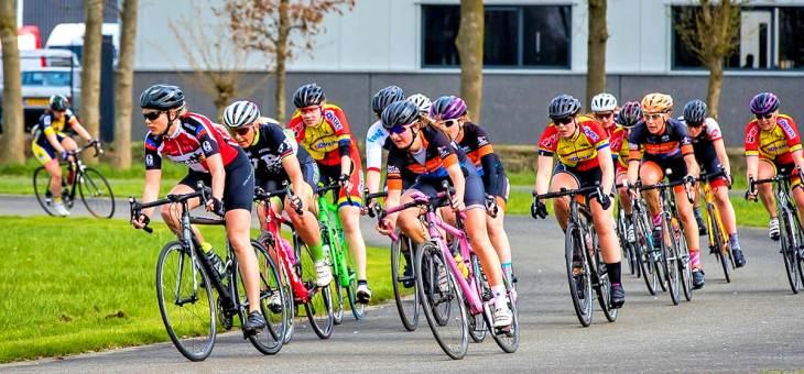 Women Racing: de eerste race