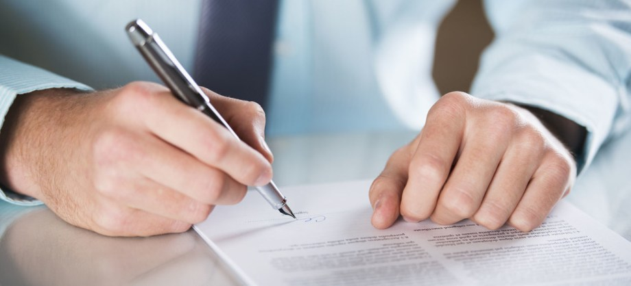 ¿Cómo puedo reclamar a una aseguradora por una mala gestión?