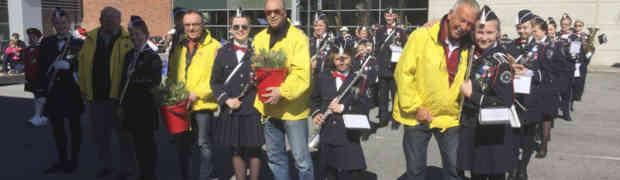 Loppemarked, marsjtrening og speling for Lions Club sin tulipanaksjon