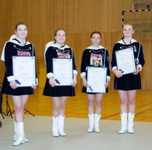 Stine, Marita, Amanda og Kamilla fekk utdelt Lydophonorden i april.
