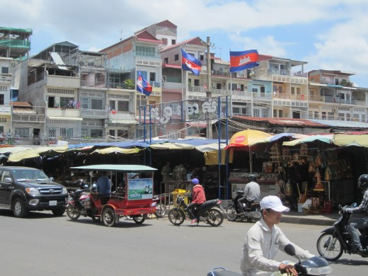 Picture Living in Phnom Penh Markets
