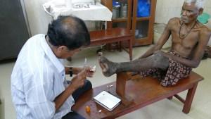 Täglich ein neuer Verband für die offenen Wunden: Leprastation in Puri (Foto: C.M.)
