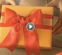 Gift-Wrap-2014---bow-tying-demo