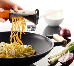 vegetable noodles spirulizer