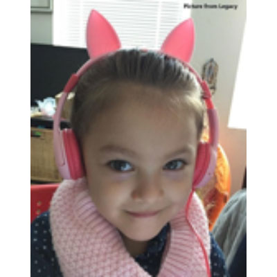 Long distance travel headphones with pink cat ears