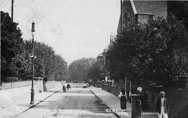 Ashburton Road and Kent Road_Congregational Christian church
